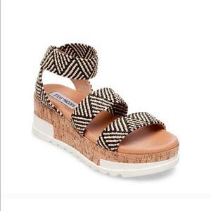 Steve Madden Flatform Bandi Strap Kabel Sandal